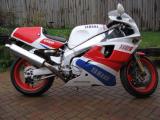 1990 Yamaha FZR750R OWO1